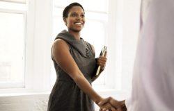 Une télésecrétaire doit optimiser ses stratégies de publicité pour attirer gonfler son portefeuille clients. Voici quelques conseils.