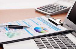 Une télésecrétaire aide une entreprise à recouvrer ses dettes, lui permettant de faire des économies en termes d'argent et de temps.